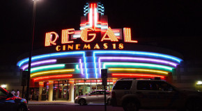 REGAL КУПИЛИ HOLLYWOOD THEATERS