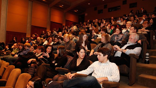 movie_theater_crowd_a_l