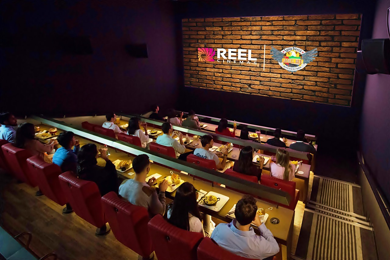 dine-in-cinema-reel-cinemas-jebel-ali