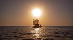 «КОН-ТИКИ» (ЛЮКСОР, 18 АПРЕЛЯ): БЕЛЕЕТ ПАРУС ОДИНОКИЙ