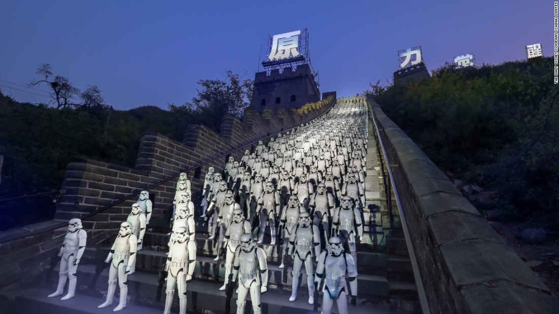 stormtroopers-great-wall