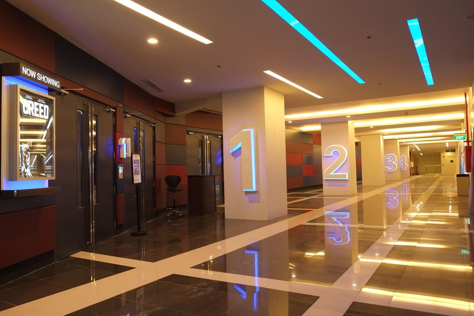 Лобби кинотеатра